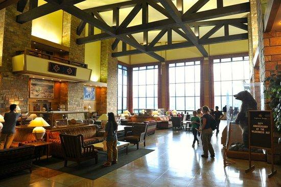 Jackson Lake Lodge : Hotel lobby on the first floor