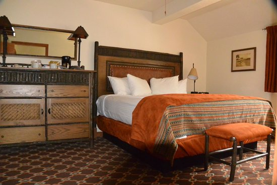 Bryce Canyon Lodge: bed