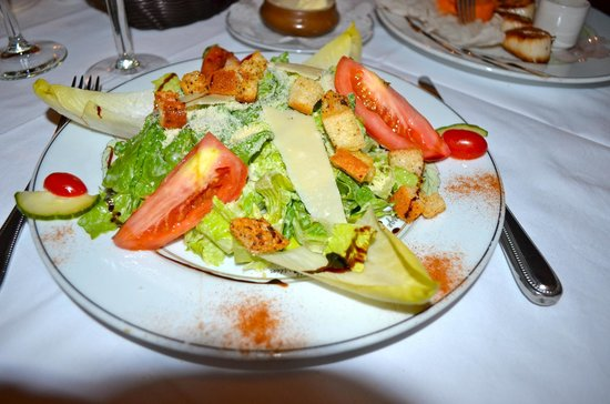 L'Auberge Gourmande : Caesar salad round 2