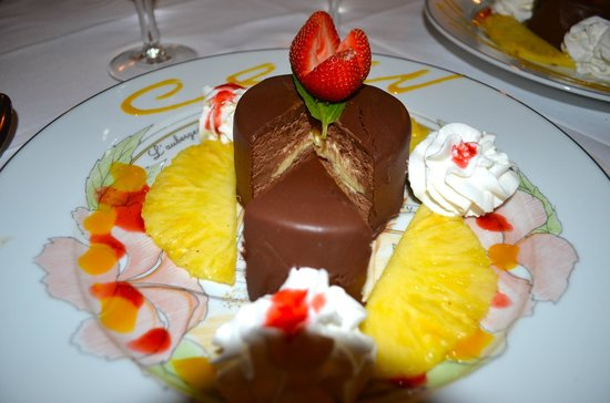 L'Auberge Gourmande : Chocolate mouse and creme brulee