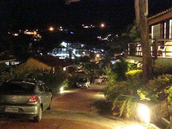 La Boheme Hotel e Apart Hotel: vista de noche en la  bajada de la habitacion