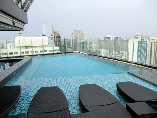 The Continent Hotel Bangkok by Compass Hospitality: Pool on 37 floor