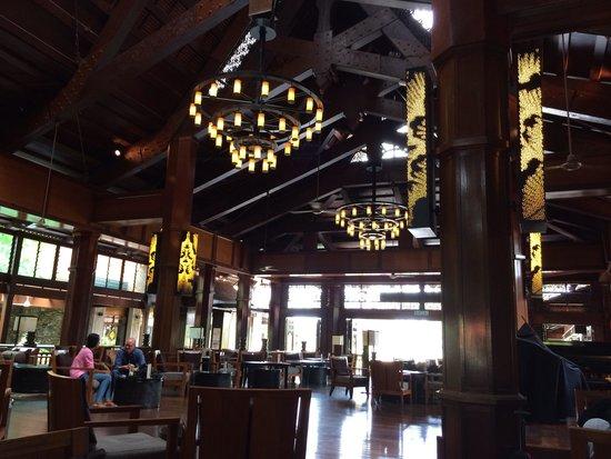 Meritus Pelangi Beach Resort & Spa, Langkawi: Hotel lobby