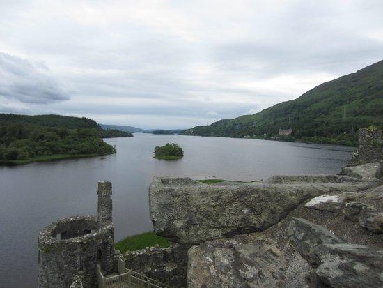 Kilchurn Castle: Loch Awe - Kilchurn view
