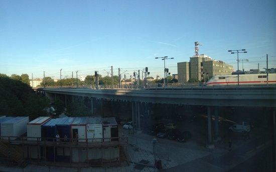 IntercityHotel Berlin Hauptbahnhof: Room 210 view from window