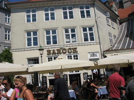 Barock restaurant - took one photo before we sat down; that's all it's worth!