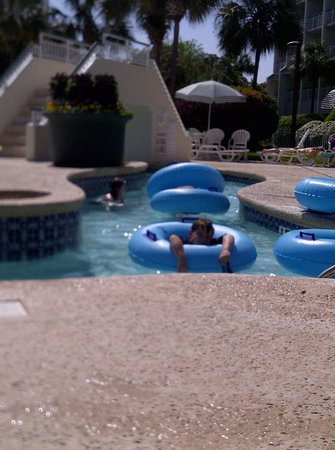 Litchfield Beach & Golf Resort : Kids playing in the lazy river