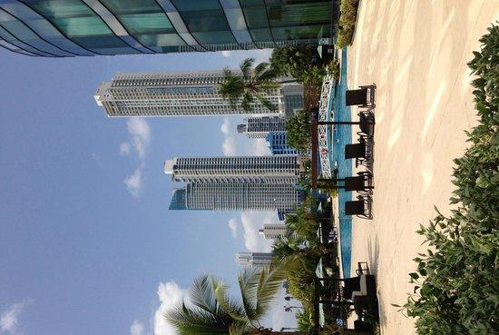 Intercontinental Miramar Panama: Vista da Piscina do Hotel