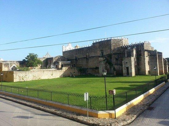 Rinconada del Convento: Vista al convento