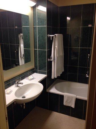 Hilton Garden Inn Rome Airport: Barroom