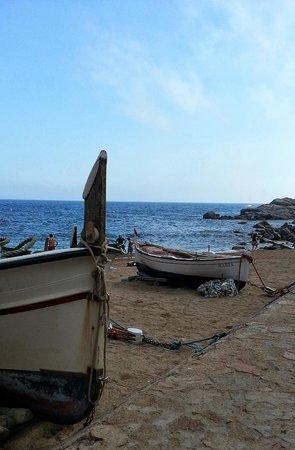 Playa Grande: Boats on the Gran Platja of Tossa