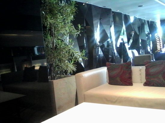 TS Suites Surabaya: Lobby TS hotel