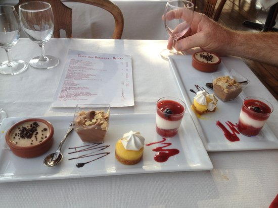 PARISCityVISION: Dessert selection on river cruise