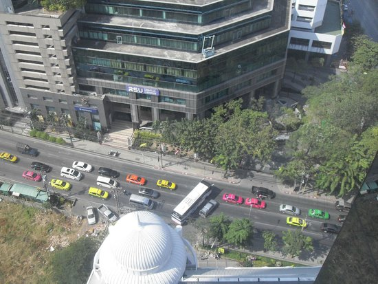 Adriatic Palace Bangkok: Вид из окна