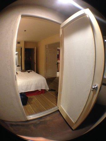 Residence Inn La Mirada Buena Park : View looking into room #2 from balcony