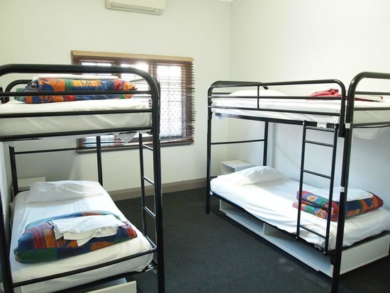The Emperor's Crown Hostel: Dorm room - Nice and clean!