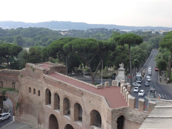 Rome Marriott Grand Hotel Flora : From our room on the 6th floor final night Borgese Gardens close by
