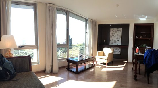 Amerian Executive Mendoza Hotel: Living suite