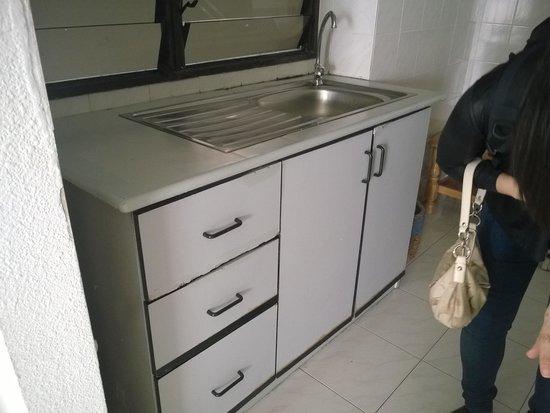 Sri Sayang Resort Service Apartment: KITCHEN