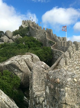 Sintra National Palace: Castelo dos Mouros in Sintra, near National Palace