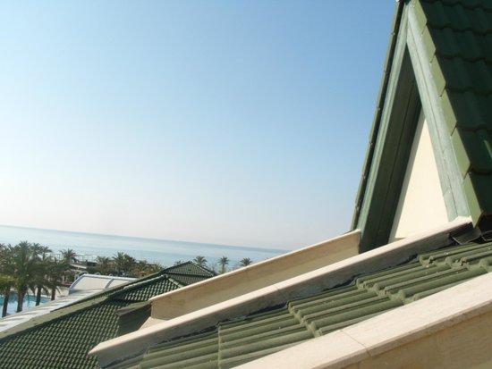 Alva Donna Exclusive Hotel & Spa: Вид из окна номера 4 этажа