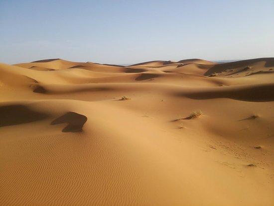 Merzouga Desert: メルズーガ