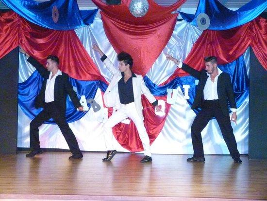 Spring Hotel Bitacora: Entertainment team