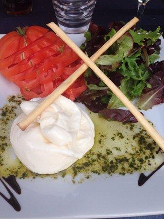 L'Oursin : Капрезе с помидоркой бычье сердце - огромная порция!