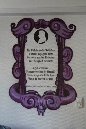 Der Salzburger Hof: decoration on the wall