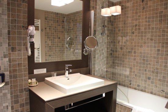 Auberge Saint Simond - Hotel - Aix-les-Bains : Salle de bain
