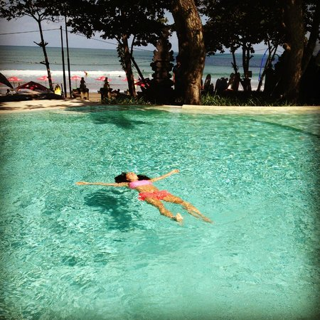 Double-Six Luxury Hotel Seminyak : Bliss after a run on the beach!