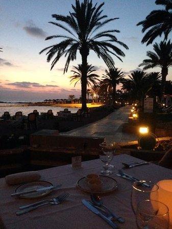 TUI SENSIMAR Pioneer Beach Hotel by Constantinou Bros: sea by night