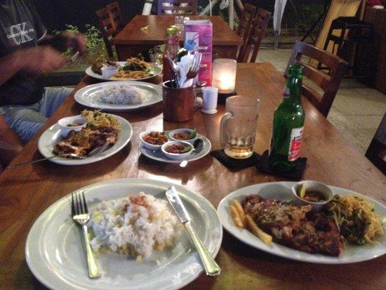 Kafe Batan Waru: Grilled chicken