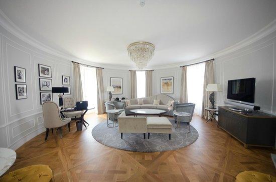 Hotel Maria Cristina, a Luxury Collection Hotel, San Sebastian: Our sitting area