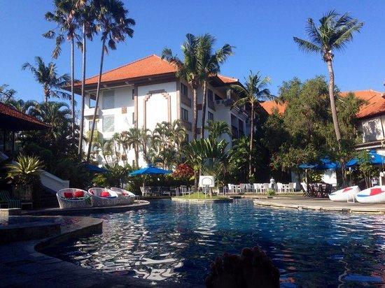 Prime Plaza Suites: Poolside Sanur Paradise Plaza Suites