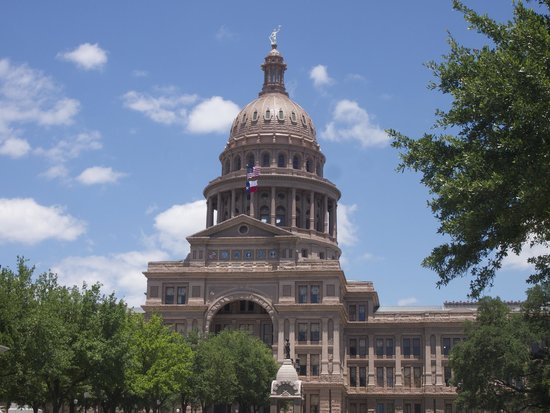 State Capitol : Sparkling in the sunshine