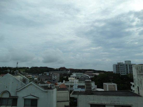 Yui Rail: 首里城が見えます