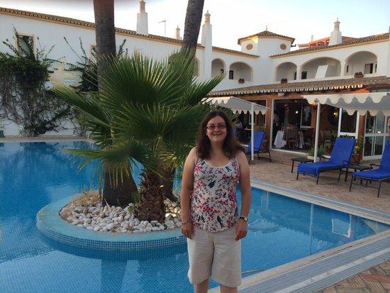 Cerro da Marina Hotel: By the poolside