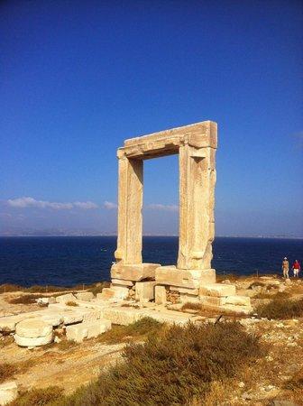Naxian Collection: Apollo's gate in Naxos town