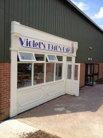 The Wight Military and Heritage Museum: Violet's cafe at C.H.A.R.M