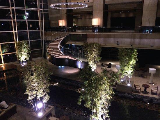 Grand Hyatt Shanghai: Hall d'entrée de l'hôtel