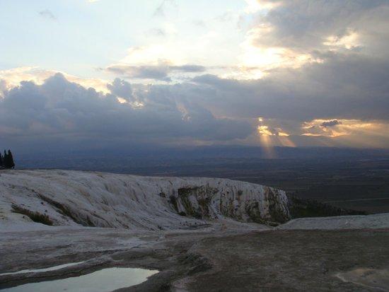 Hierapolis & Pamukkale: look at the sky