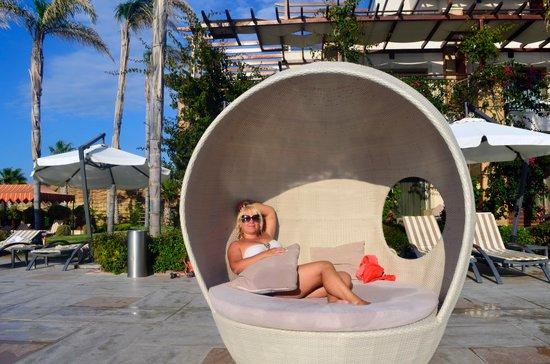 Cratos Premium Hotel, Casino, Port & Spa: территория отеля