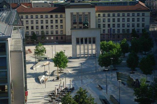 Hilton Innsbruck: Vue sur la place
