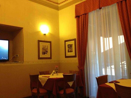 Catania Centro Rooms: Particolare sala colazione