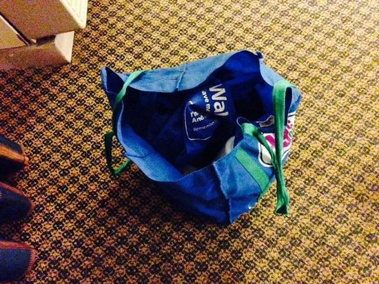 Clarion Hotel : This bag isn't mine but was left in my room.