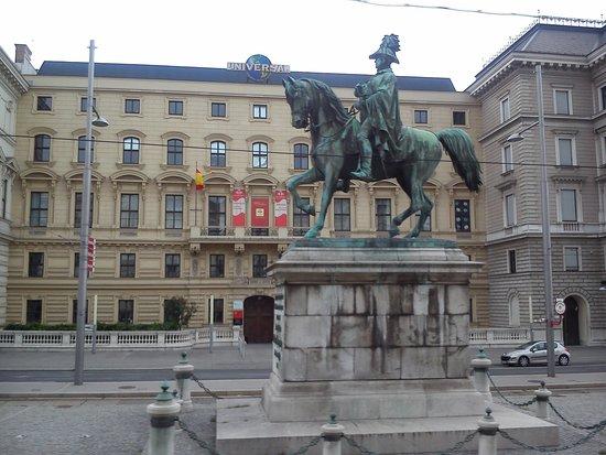 Historisches Zentrum von Wien: View from the Red Bus tour