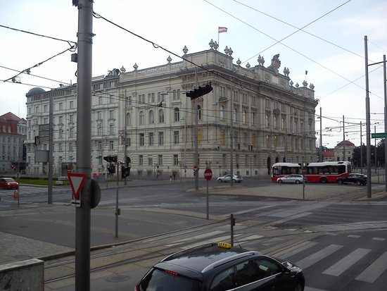 Historic Center of Vienna: View from the bus tour