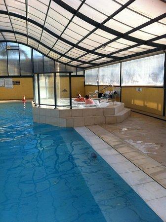 Sapphire Valley Caravan Park: Heated indoor pool & spa