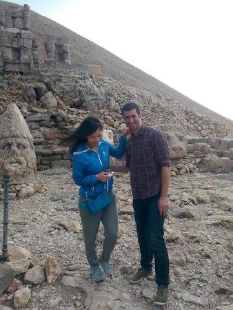 Mount Nemrut: koreli arkadaş